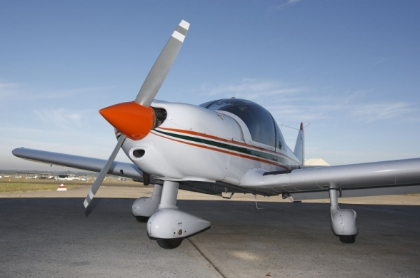 Robin 2160i aerobatic flight training aircraft