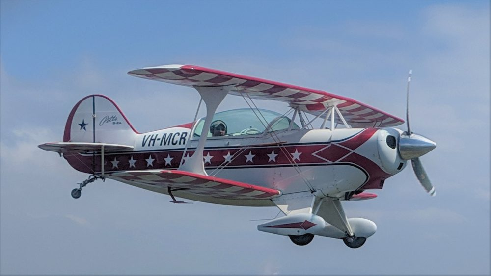 Advanced Aerobatics - Pitts Special flight training